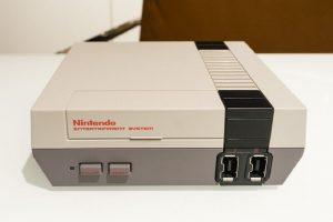 نام اولین کنسول Nintendo چگونه تلفظ میشود ؟